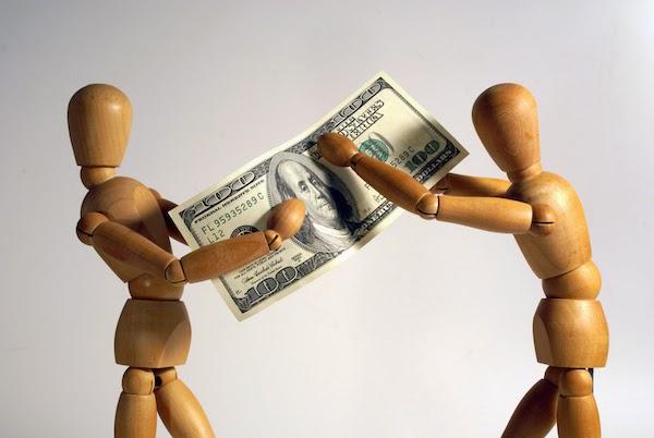 money-tug-of-war