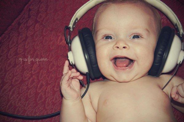 baby-cool-happiness-happy-headphones-Favim.com-223230