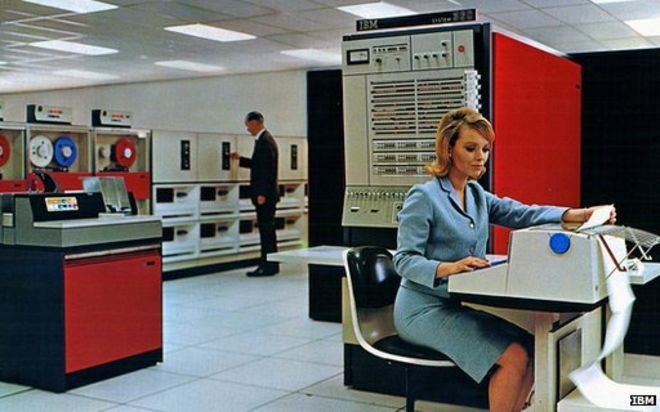 IBM-mainframe-woman