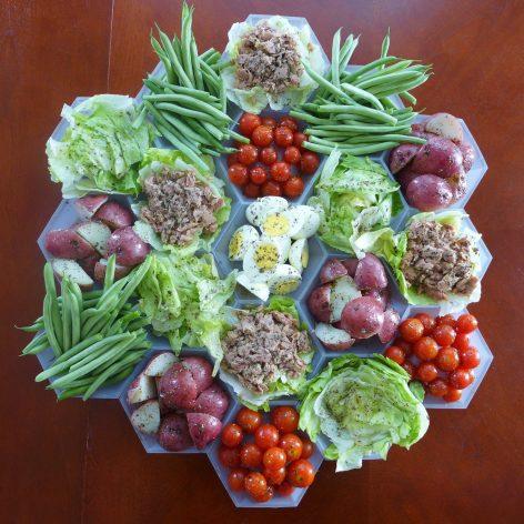settlers-salad-nicoise_sq-27f9e9683b62f6ca101bc0588e72a1c41fce9eec-s1500-c85