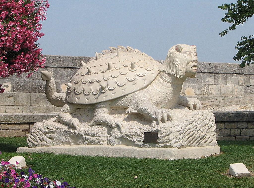 tarrasque statue