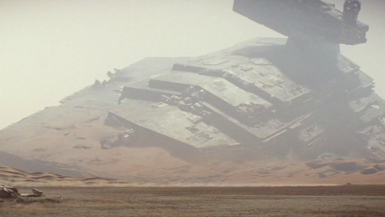 star_destroyer_force_awakens_-_h_-_2015